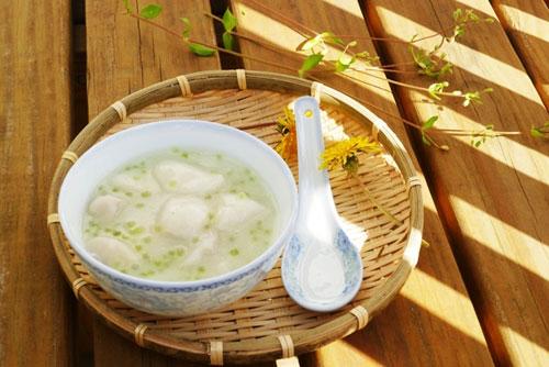 Chè khoai sọ bột báng nước dừa